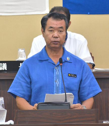 川満栄長竹富町長、23日付で辞職へ 議会に辞意を書面で表明   八重山毎日新聞社