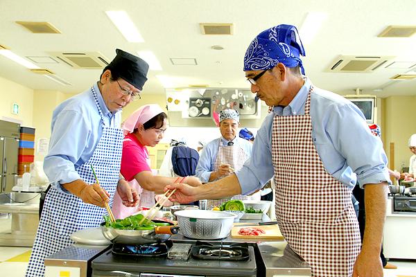 【おすすめ料理教室も紹介】男性が料理教室に行く …