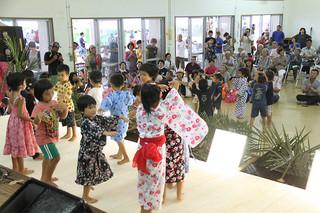 島民や観光客らが多彩な音楽を楽しんだ第5回ベスマまつり=8月31日、波照間農村集落センター