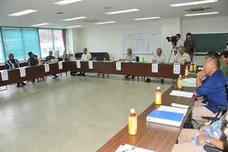 台湾側に提示する操業ルール案を話し合う県日台・日中漁業問題対策等漁業者協議会=10日午後、県水産会館