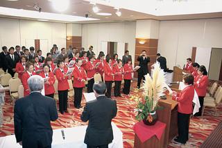 結成20周年を迎えた石垣市女性防火クラブの記念式典、祝賀会=19日、南の美ら花ホテルミヤヒラ