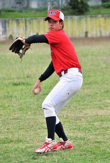 日台大学軟式野球国際親善大会日本代表に選ばれた多宇雄飛さん=21日午前、沖国大