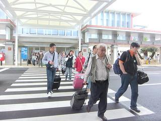 昨年3月7日に開港した南ぬ島石垣空港。LCCの就航も重なり、県内入域観光客数を押し上げる要因となった(資料写真)