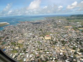 復帰後、公共インフラが整備された八重山圏域(写真は石垣島、2009年10月2日撮影)。新たな課題も山積する