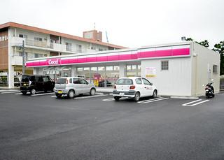 今月末にオープンを予定し、21店舗目となるココストア=23日午後、市内登野城