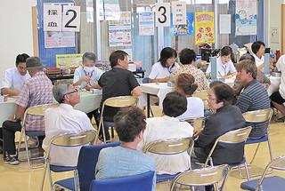 年々、受診率が伸びている石垣市の特定健診=2011年7月20日、石垣市健康福祉センター。一方で、保健指導の実施率は伸び悩んでいる。