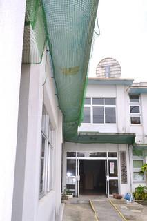 7月から一部施設の利用が再開される見通しの市立文化会館=13日