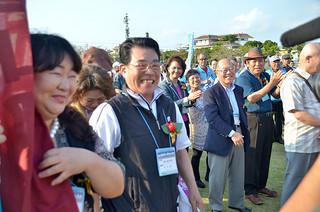 2013年3月の「全国のやいまぴとぅ大会」に参加した人たち。八重山広域市町村圏事務組合は本年度、ネットワークの構築に取り組むことになった