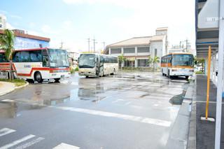市側はターミナルバス停の混雑問題などの解消後にカリー観光に許可する方針=5日午前、離島ターミナルバス停