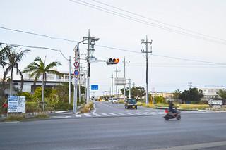 今月30日に南ぬ島石垣空港と市街地を結ぶアクセス道が着工する起点の平得交差点=24日午後