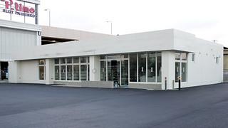 10月10日のオープンに向け工事が進められる八重山支庁前店