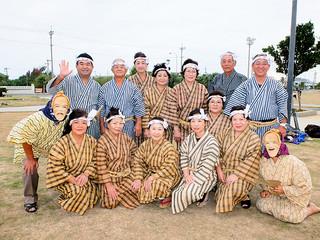 第13回クイチャーフェスティバルに初参加する八重山在宮古郷友会の会員たち=5日夕、真栄里公園