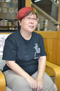 「子どもが読みたい本を読んであげてほしい」と話す赤木かん子さん=19日午後、市立図書館