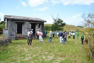 保存状態が悪化している電信屋。市教委が保存・修復の方法を検討する=2014年11月30日