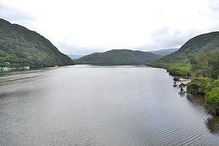 渇水時の取水が計画されている浦内川=6日午後