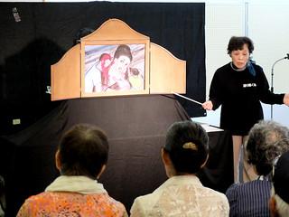 一般市民向けに行われた「さいごの台湾そかい船」の紙芝居公演=2日午前、八重山平和祈念館