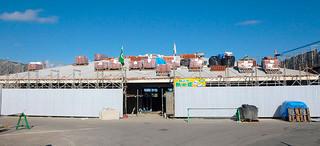 建設工事が遅れている波照間空港ターミナルビル=7月3日(竹富町建築課提供)