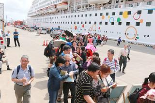 八重山を訪れる台湾人旅行客の入域を後押ししているスタークルーズ社のクルーズ船=資料写真