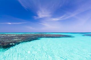 「絶対的石垣島・島旅フォトコンテスト」の島旅部門で1位になった田中祥平さんの作品「はてるま&ブルー」