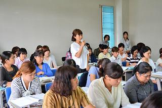 質問や要望が相次いだ第1回幼稚園教諭等研修会=13日午後、大浜信泉記念館