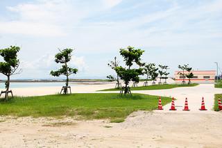 来月1日から9月末までの間、供用される予定の人工ビーチ=7日午後、南ぬ浜町