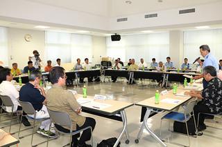 各関係機関の担当者らが参加して開かれた水難事故防止対策会議=5日午後、八重山署