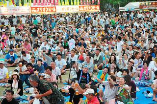 大勢の人でにぎわった「オリオンビアフェスト2016in石垣」=16日午後、新栄公園