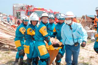 2011年9月2日に石垣市で実施された県総合防災訓練。ことしは竹富町で初めて実施される(資料写真)