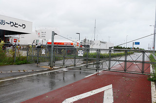 台風16号の接近で閉鎖された南ぬ島石垣空港=17日午後