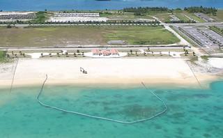 7月1日から利用が開始される人工ビーチ=6月29日午後、南ぬ浜町