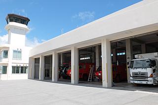 南ぬ島石垣空港で消火救護業務を行っている石垣市消防署空港出張所。一部民間委託が予定されている=22日午後