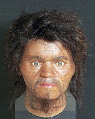 旧石器時代の男性人骨から再現された復顔模型(県立埋蔵文化財センター提供)