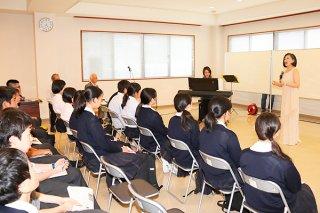 修学旅行の平和学習で来館する県外の中学生ら=4月24日、八重山平和祈念館