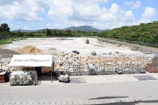 民間委託で掘り起こしごみの県外搬出が決まった市一般廃棄物処理施設=2018年3月29日午後、撮影