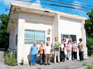 18年6カ月北部地区の住民に寄り添ってきた今村昌幹医師。今後は八重山病院で患者を診察し、在宅医療にも力を注ぐ=11日午前、伊原間診療所