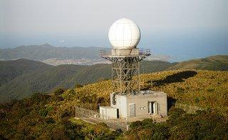 於茂登岳山頂にある石垣島レーダー観測所