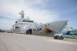 鹿児島市で職員が隔離されている石垣海上保安部所属の巡視船の同型船=7日午前、石垣港