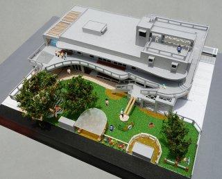 新しくなる新栄町こども園の模型(建築アトリエトレッペン提供)